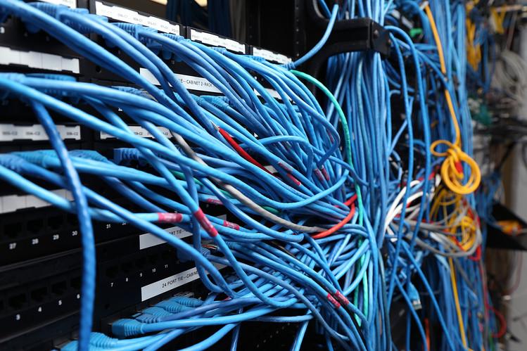 Riorganizzazione sala server o cablaggio dati